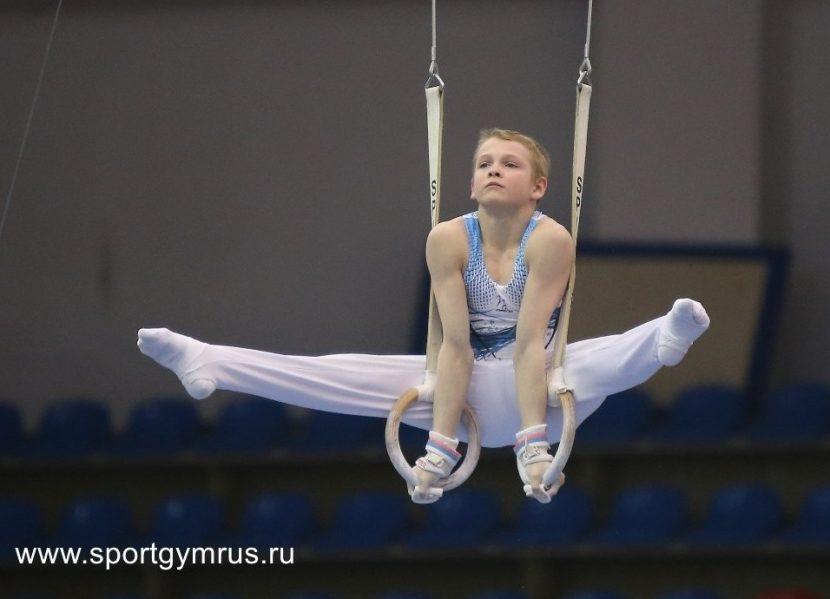 Буссе Юрий Сергеевич родился 16 июля 2001 года — российская гимнаст
