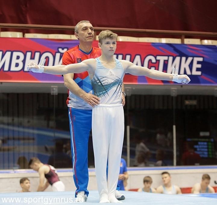 Золотая медаль в командном зачете (Юниоры) Юрия Буссе и его тренеров